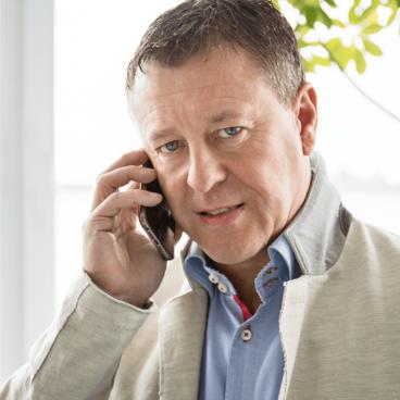 Ernst Lanner telefoniert